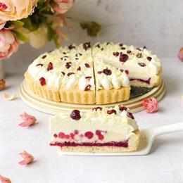 Купить торт Брусничный с белым шоколадом с доставкой по Москве и Санкт-Петербургу от магазина Cheese-cake.ru | cheese-cake.ru